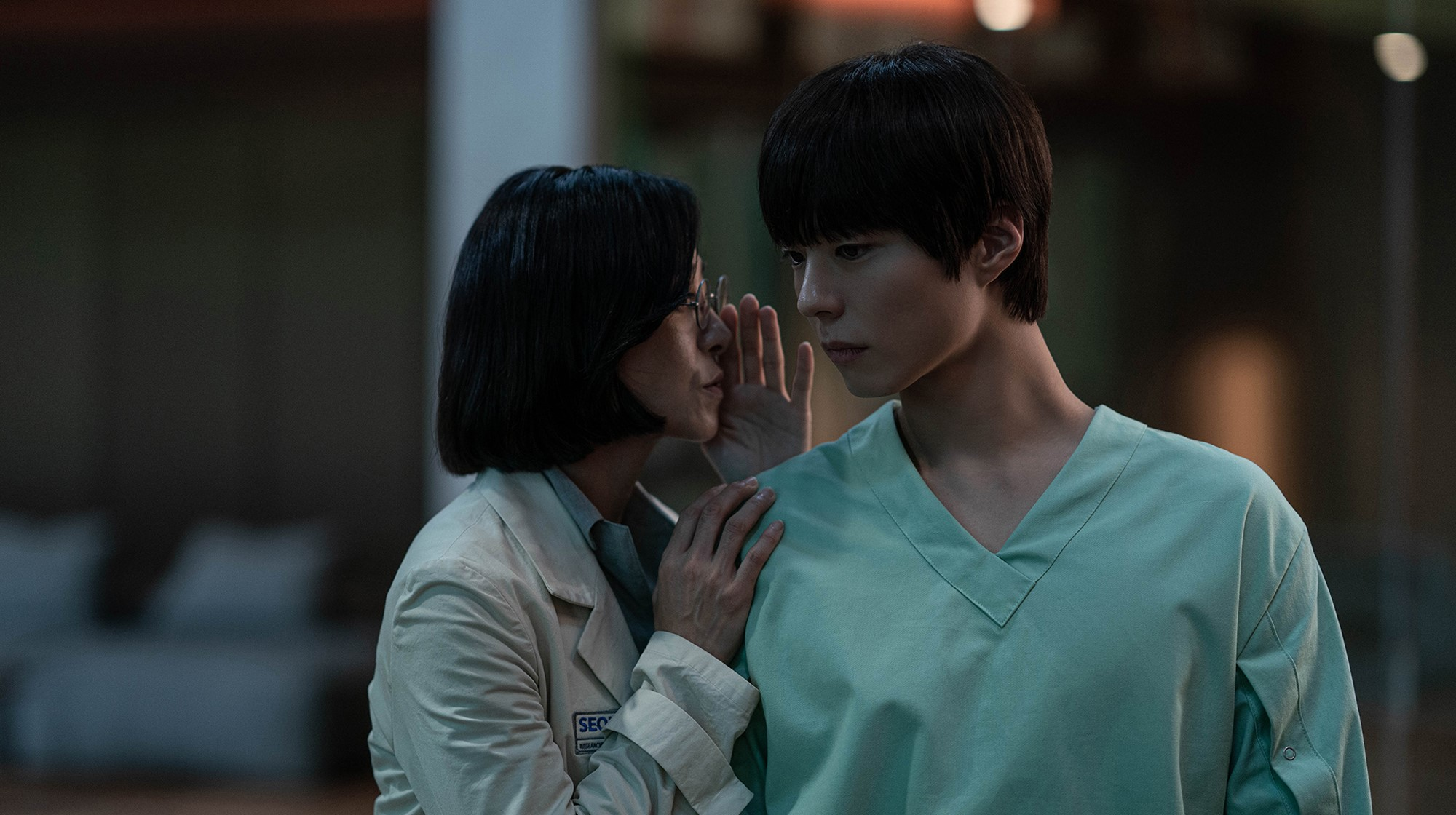 [허남웅 영화경] <서복> 삶과 죽음, 오리지널리티와 복제의 가치 사이에서